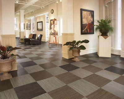 дизайн  интерьера кварцвиниловая плитка на пол